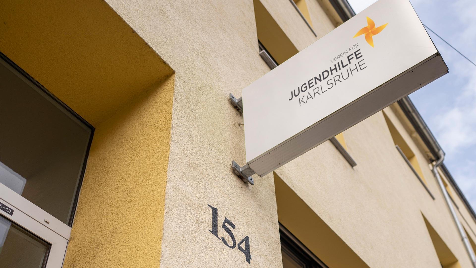 Verein für Jugendhilfe Karlsruhe e.V. Schild Beschilderung Schilderleitsystem