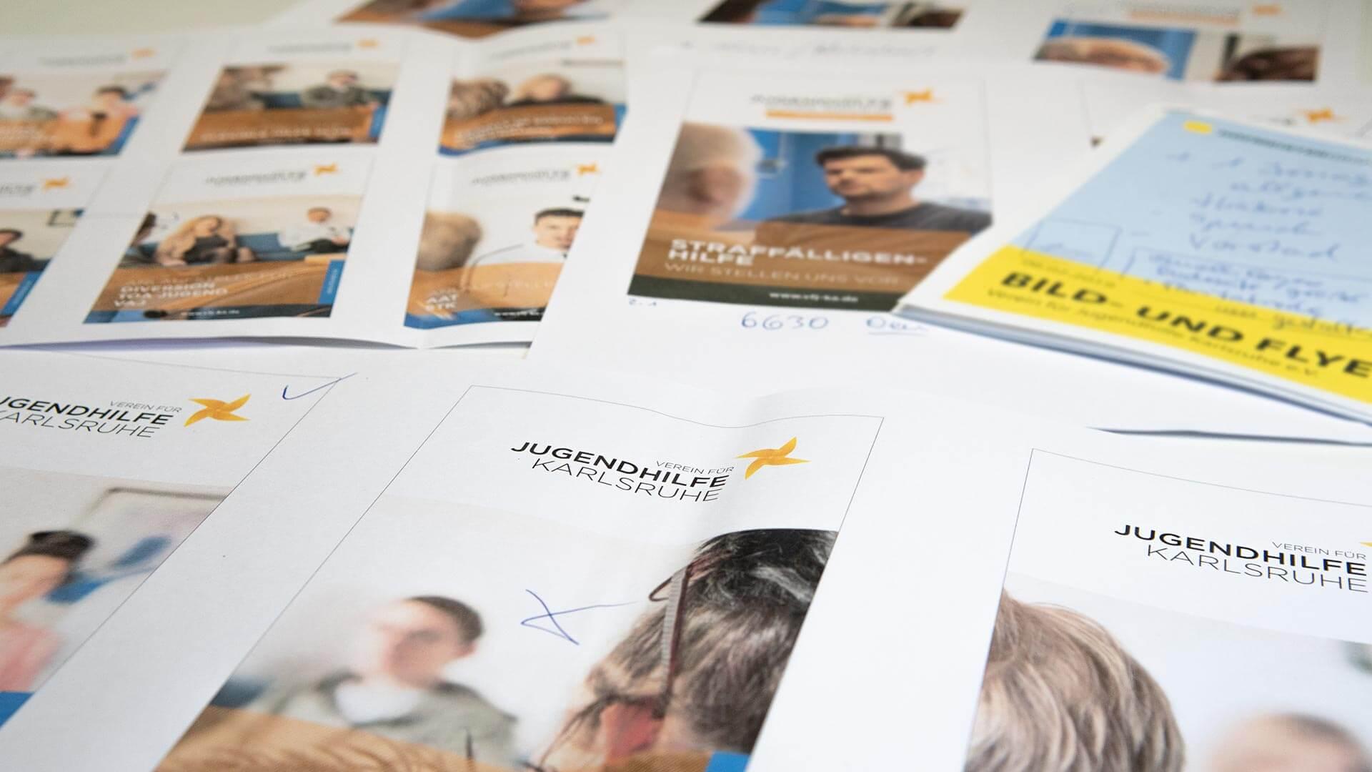 Verein für Jugendhilfe Karlsruhe e.V. Folder Flyer Projektplanung